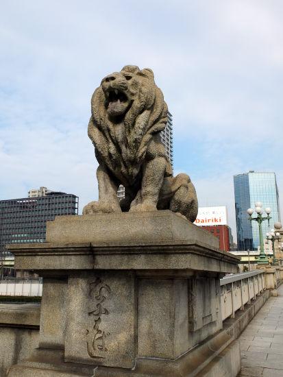 難波橋ライオン
