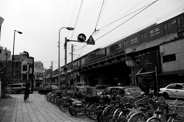 大阪・福島駅前