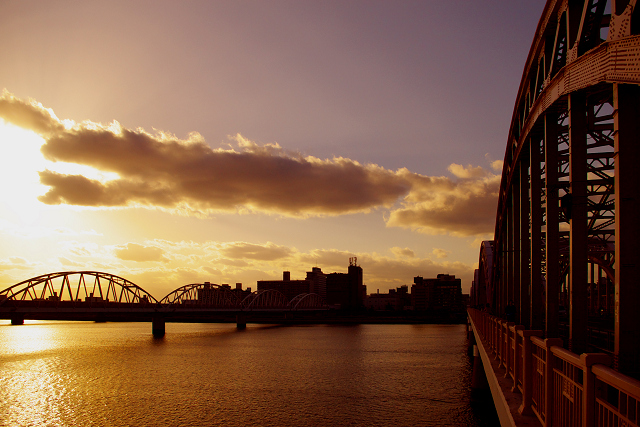 十三大橋の日暮れ