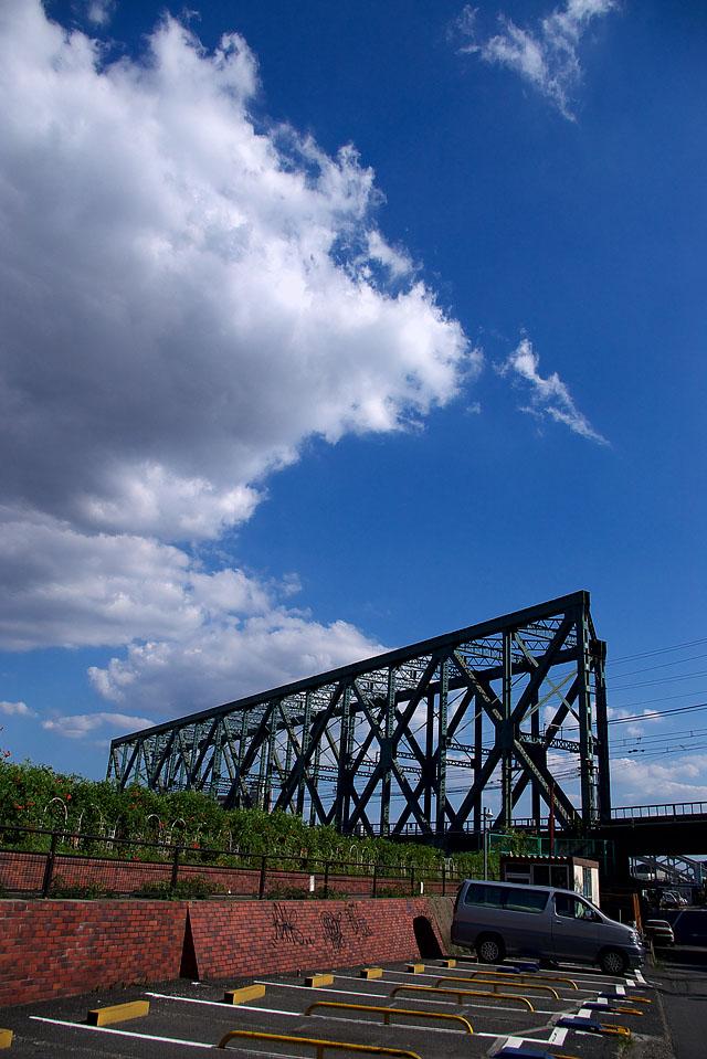 鉄橋と青空と