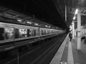 列車待ち。