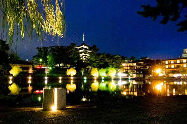 夜の興福寺・五重塔